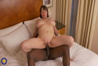 Maturenl - British big breasted housewife Tigger goes interracial
