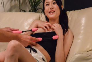Small tits Kyoko Nakajima provide angelic blowjob on cam - JavHD